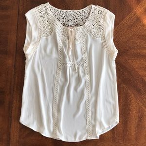 Gibson Latimer Tops - Gibson & Latimer sleeveless crochet lace up top